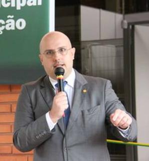 Presidente do CRMV-RS, Rodrigo Lorenzon